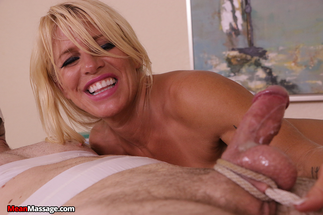 Big dick and tons of cum for super busty milf sexy susi ggg 7