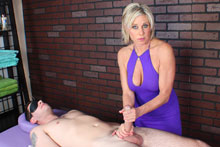 Payton Gets Her Client Blindfolded Teased And Eventually Brought To An Intense Orgasm - Picture 3